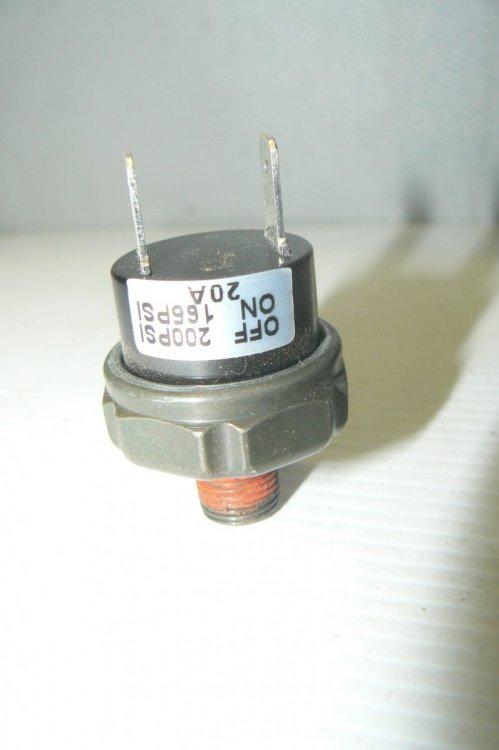 P1180593.thumb.JPG.17381ef80d2f5b914e52b2e621bab9f4.JPG